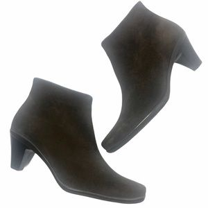 LA CANADIENNE Brown Suede Ankle Boots Square Toes